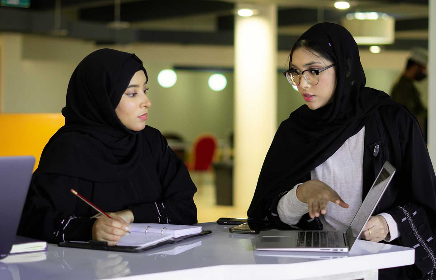 Study top courses at one of the best colleges in Oman